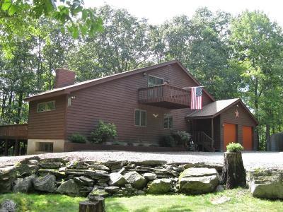 Hidden Lake Estates Single Family Home For Sale: 1422 Dewberry Dr