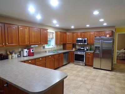 Damascus Single Family Home For Sale: 65 Conklin Hill Rd
