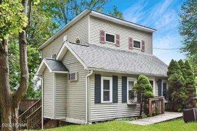 Greentown Single Family Home For Sale: 137 Paupack Rd