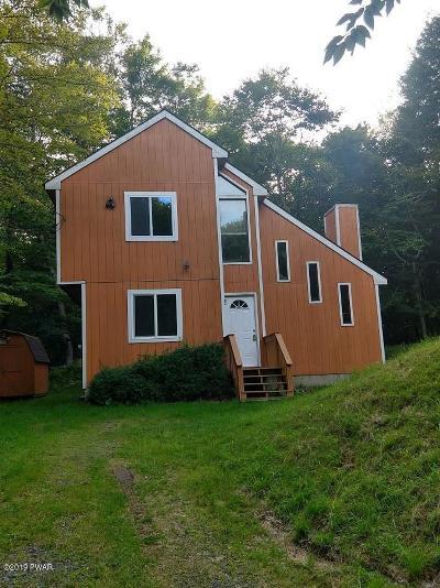 Newfoundland Single Family Home For Sale: 1039 Buckhorn Dr