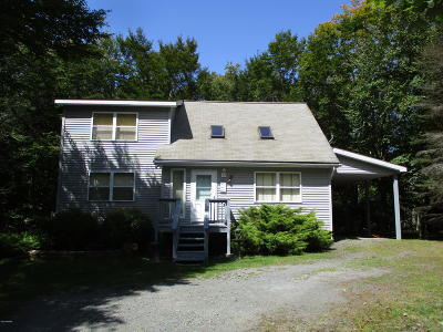 Wallenpaupack Lake Estates Single Family Home For Sale: 1061 Mockingbird Ln