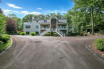 Hemlock Farms Single Family Home For Sale: 801 Overlook Court