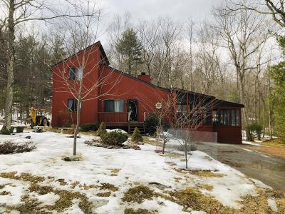 Dingmans Ferry Single Family Home For Sale: 146 Whispering Pine Rd