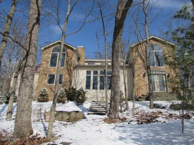 Hemlock Farms Rental For Rent: 132 Surrey Dr