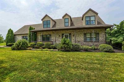 Gettysburg PA Single Family Home For Sale: $409,900