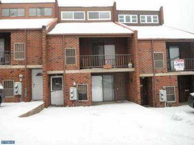Philadelphia PA Multi Family Home Sale Pending: $149,900