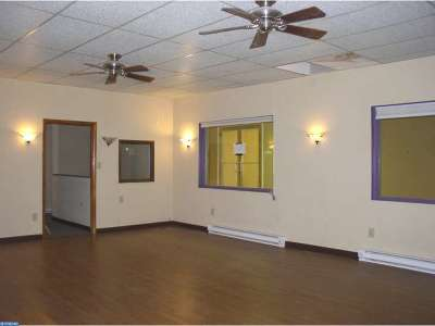 Oxford Commercial ACTIVE: 10 S 3rd Street #5