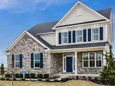 Single Family Home ACTIVE: 6 Mimosa Court