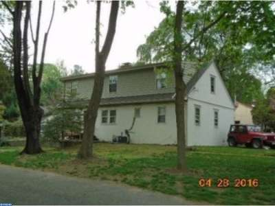 Palmyra Single Family Home ACTIVE: 910 Lincoln Avenue