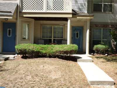 Condo/Townhouse Sold: 403 Foxcroft Circle