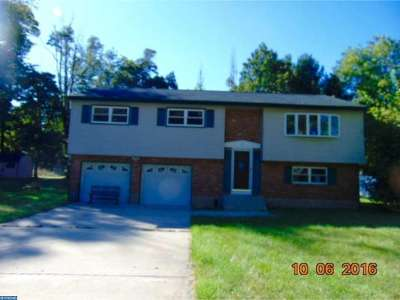 Ewing Single Family Home ACTIVE: 25 Llanfair Lane