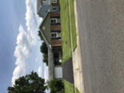 Willingboro Single Family Home ACTIVE: 122 Middlebury Lane