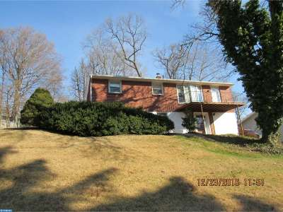 Single Family Home ACTIVE: 209 Woodgreen Court