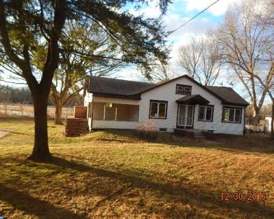 Cinnaminson Single Family Home ACTIVE: 1006 S Forklanding Road