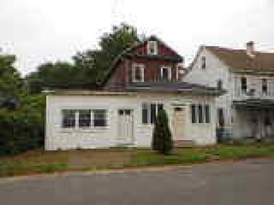 Beverly Single Family Home ACTIVE: 445 Magnolia Street