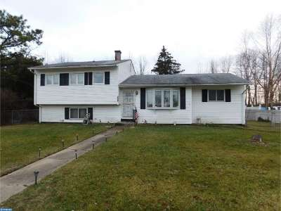 Pemberton Single Family Home ACTIVE: 220 University Avenue