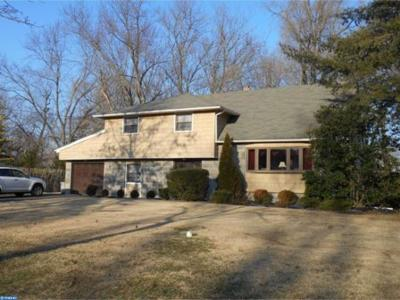 Cinnaminson Single Family Home ACTIVE: 2 Winding Brook Drive