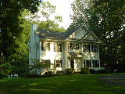 Hainesport Single Family Home ACTIVE: 1012 Woodland Lane