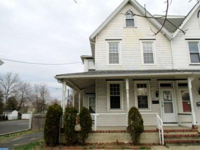 Palmyra Single Family Home ACTIVE: 121 E 5th Street