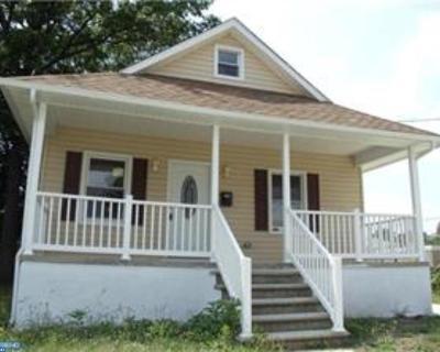 Mount Ephraim Single Family Home ACTIVE: 11 S Oak Avenue