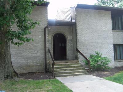 Springfield Condo/Townhouse ACTIVE: 2405 Aspen Circle #2405LD