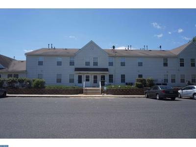 Burlington Condo/Townhouse ACTIVE: 48 Manor Drive