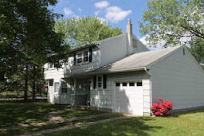 East Windsor Single Family Home ACTIVE: 1 Kent Lane