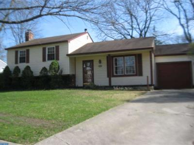 Cherry Hill Single Family Home ACTIVE: 104 Woodfield Court