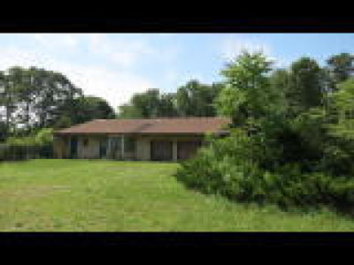 Waterford Twp Single Family Home ACTIVE: 2352 Ellwood Avenue