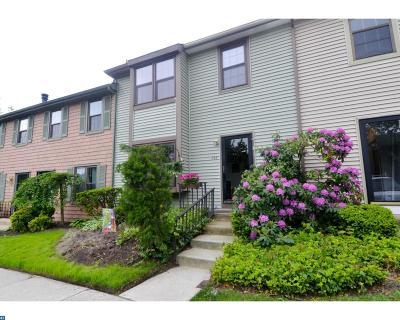 Cherry Hill Condo/Townhouse ACTIVE: 746 Kings Croft
