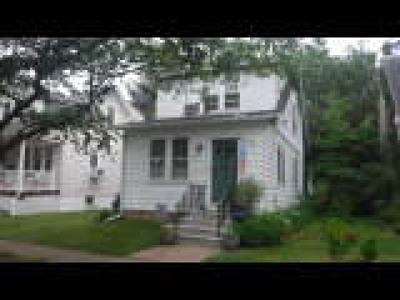 Delanco Single Family Home ACTIVE: 221 Walnut Street