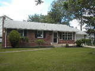 Palmyra Single Family Home ACTIVE: 525 Front Street