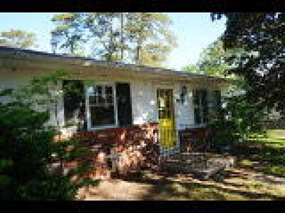 Browns Mills Single Family Home ACTIVE: 306 Shoshoni Trail