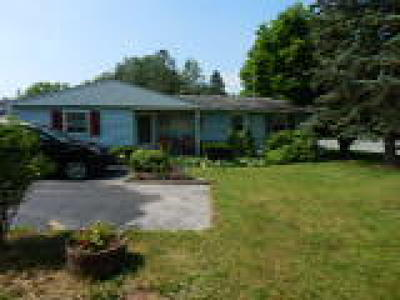 Birdsboro Single Family Home ACTIVE: 7 Hillview Road