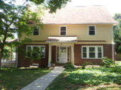 Springfield Single Family Home ACTIVE: 19 Hillcrest Road