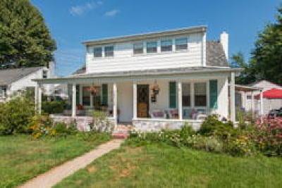 Delanco Single Family Home ACTIVE: 2030 Burlington Avenue