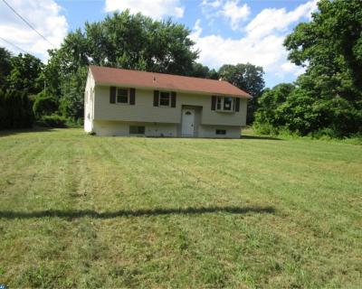 Glassboro Single Family Home ACTIVE: 527 8th Avenue