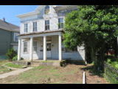 Beverly Single Family Home ACTIVE: 521 Cooper Street