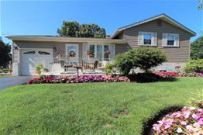 Delanco Single Family Home ACTIVE: 1403 Burlington Avenue