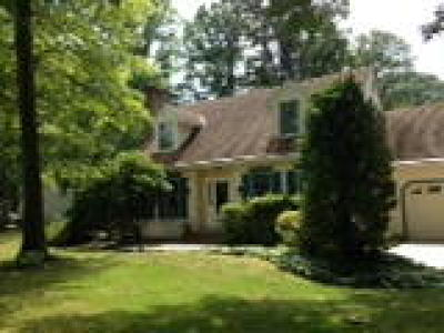 Newfield Single Family Home ACTIVE: 1 Sherwood Court