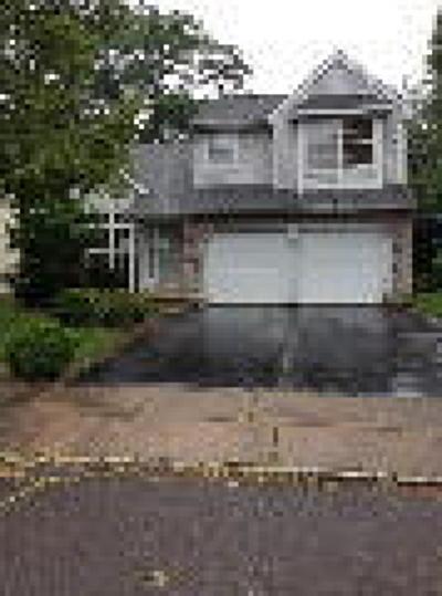 Burlington Single Family Home ACTIVE: 6 Berkely Drive