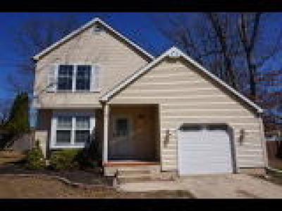 Gloucester Twp, Sicklerville Single Family Home ACTIVE: 5 Mill Court