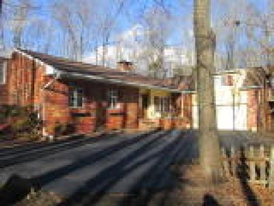 PA-Bucks County Single Family Home ACTIVE: 1687 Edgehill Circle