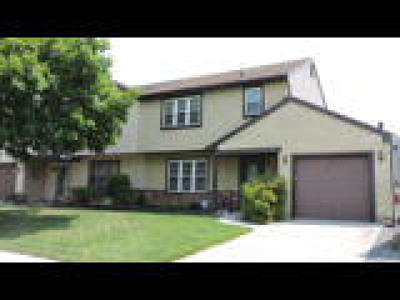 Westampton Single Family Home ACTIVE: 39 Greenwich Drive