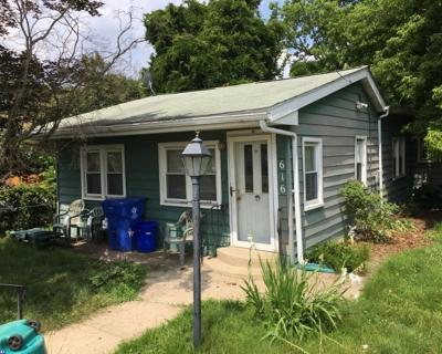 Single Family Home ACTIVE: 616 Oakland Avenue