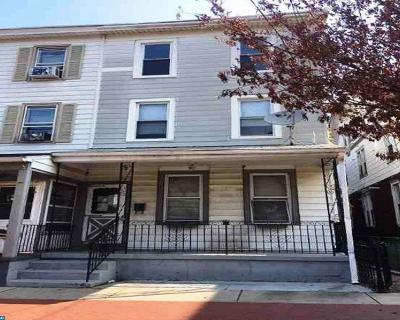 Gloucester City Single Family Home ACTIVE: 323 Monmouth Street