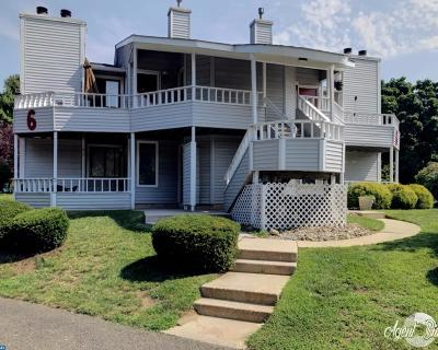 Gloucester Twp Condo/Townhouse ACTIVE: 604 Abbey Court