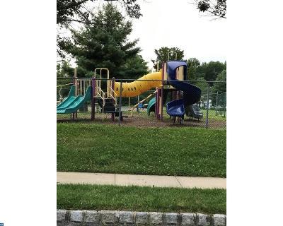 Burlington Township Condo/Townhouse ACTIVE: 412 Lindsley Court