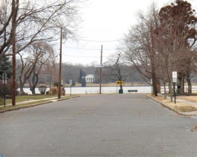 Delanco Single Family Home ACTIVE: 207 Oakford Avenue