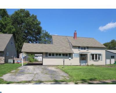 Levittown Single Family Home ACTIVE: 27 Clover Lane